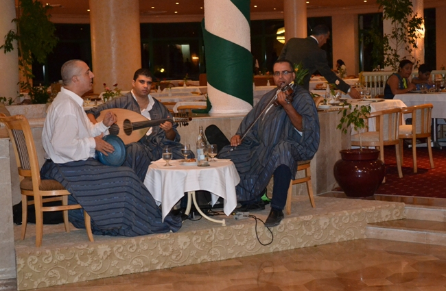 Тунис - ресторан - живая музыка