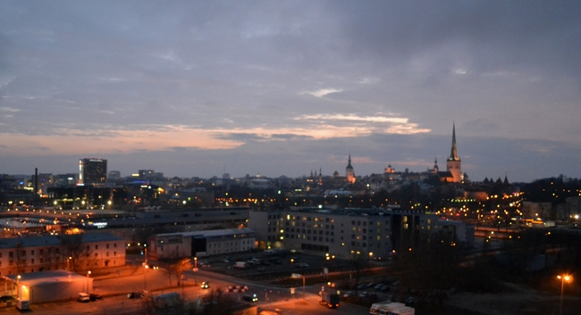 Ночной Таллин - фото города
