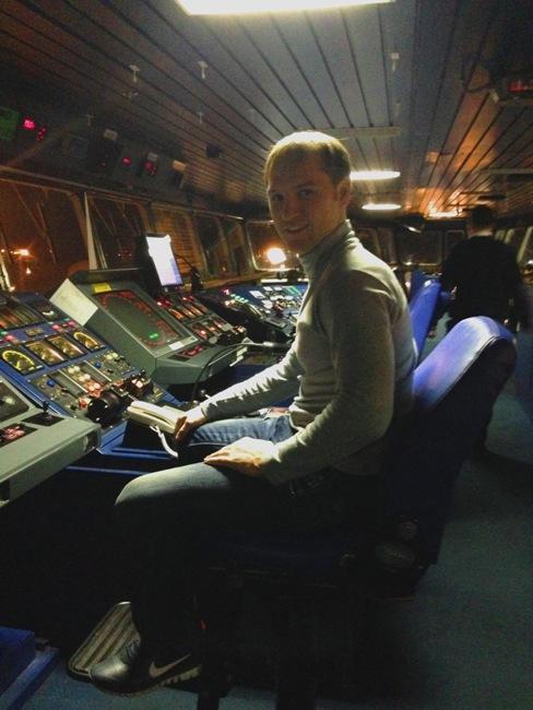 Путешествие на пароме в капитанском мостике