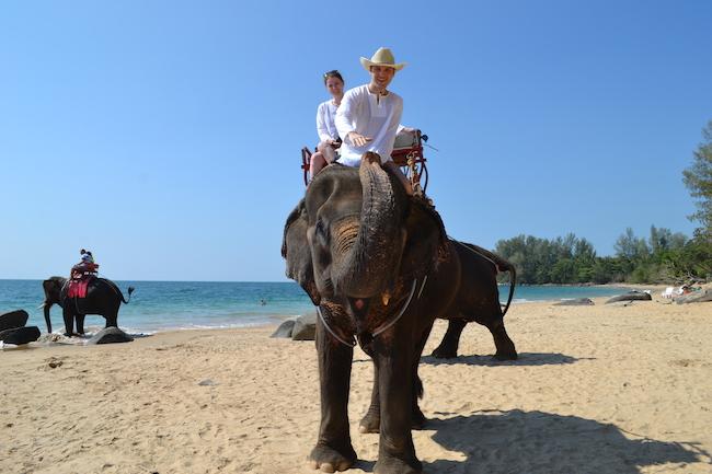 Фото из Тайланда - катаемся на слонах