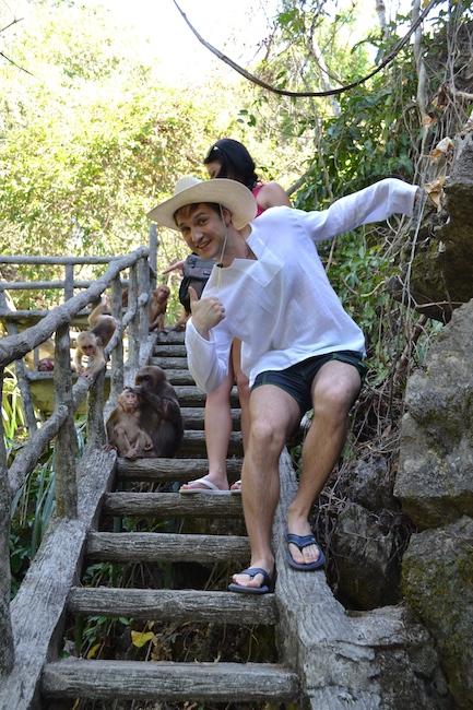 фото из Тайланда - встретили обезьян